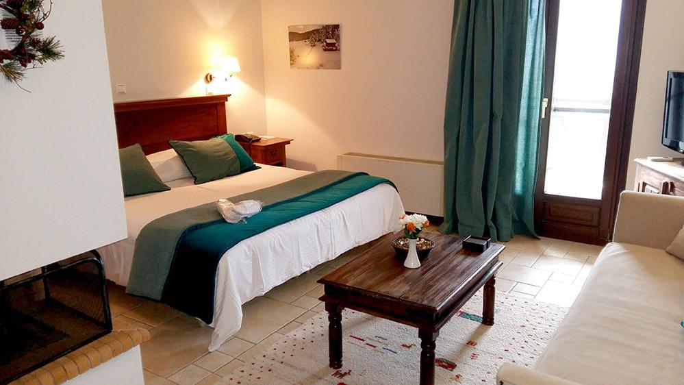 Junior suite (one-room suite)